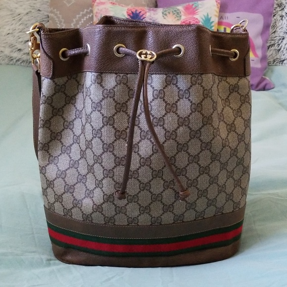 Gucci Handbags - Gucci bucket bag
